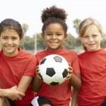 genç kız futbol takımı — Stok fotoğraf