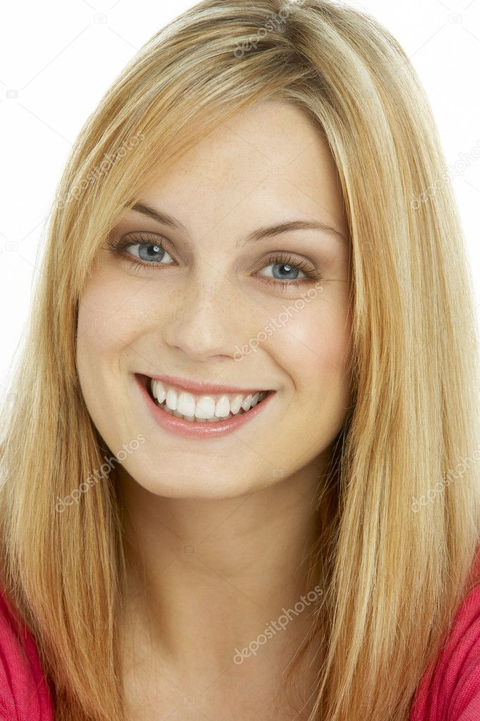 Portrait Of Smiling Young Woman — Stock Photo #4823473