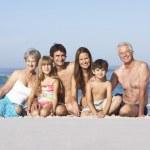 Три поколения семьи на — Стоковое фото