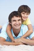 父亲和儿子穿 — 图库照片