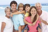 Familia de tres generaciones — Foto de Stock