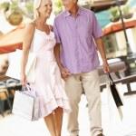 Senior Couple Enjoying Shopping Trip — Stock Photo
