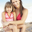 Portrait Of Mother And Daughter On Summer Beach Holiday — 图库照片