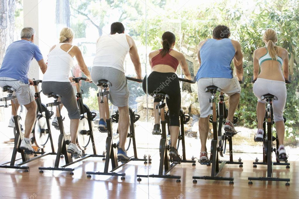 Group Of In Spinning Class In Gym — Stock Photo #4843030