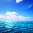 Ocean and perfect sky — Stock Photo