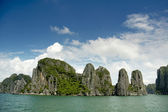 Halong cliffs — Stock Photo