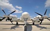Twin motor vliegtuig — Stockfoto
