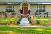 Front entryway of a meticulously kept home — Stock Photo