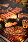 Steak auf bbq — Stockfoto