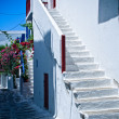 White steps in Mykonos — Stockfoto