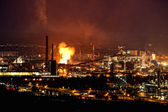 Industrie in de nacht — Stockfoto