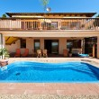 Stockfoto: House and Pool