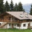 Traditional House in Tyrol — Stockfoto
