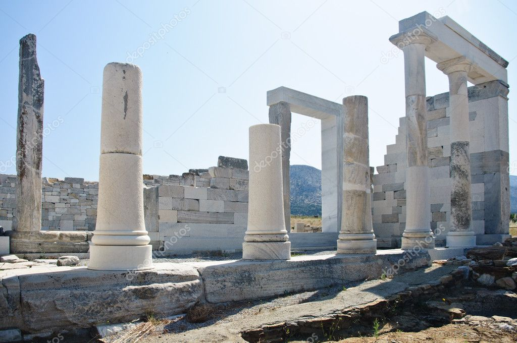 Antique Ruins and Columns in Delos, Greece — Stock Photo #5218178
