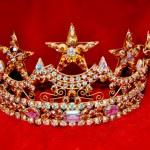 Rhinestone tiara crown — Stock Photo #4610979