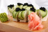 Sushi and black caviar — Stockfoto