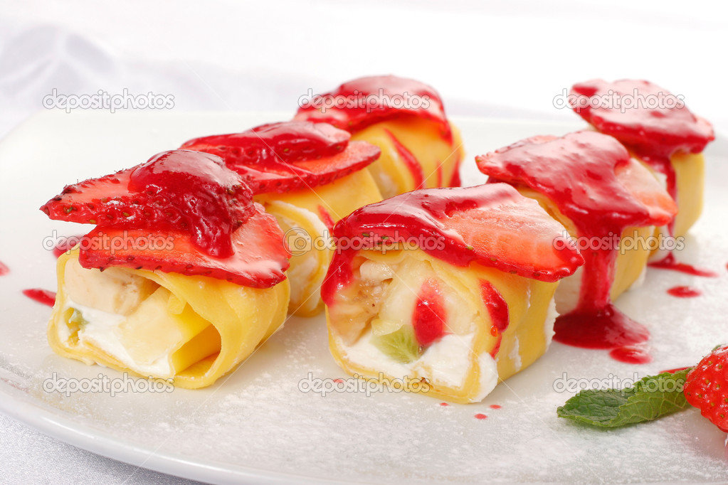 Sweet japanese roll. Closeup — Stock Photo #4702777