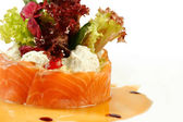 Salmon under sour cream closeup — 图库照片