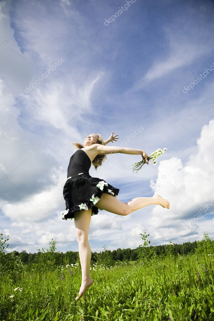 I Can Fly. Happy Active Woman On The Meadow. — Stock Photo #4831193