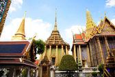 Altın stupa — Stok fotoğraf