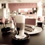 カフェでの朝食します。 — ストック写真
