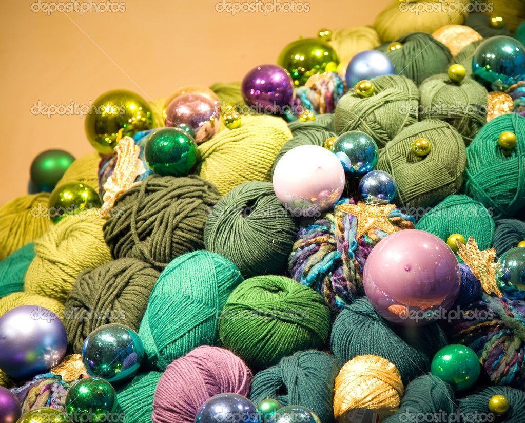 Christmas Decoration. Colorful Thread And Glass Balls Under The Light. — Stock Photo #5247502