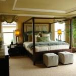 Luxury master bedroom — Stock Photo