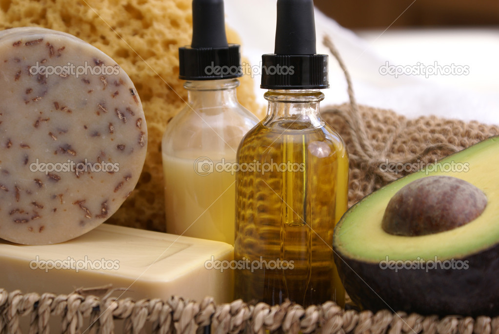 Close up of soothing avocado and oatmeal spa products.                — Stock Photo #4665362