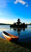 Bedugul temple boat — Stock Photo