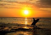 Surfer sunset — Stock Photo