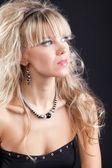 Retrato de jovem beleza em sonho — Fotografia Stock