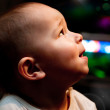 Child looks up — Stock Photo #4977045