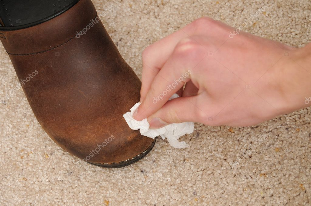 how to clean white shoes in 5 minutes