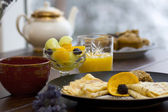 Fresh fruit and crepe breakfast — Stock fotografie