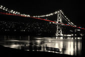 Night scene of Lions Gate in BC Canada. — Stock Photo