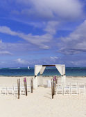 Wedding ceremony on the white caribbean beach — Stock Photo