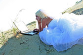Bride with notebook — Stock Photo