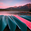 Morning view of Pyramid Lake in Jasper National Park — Stock Photo