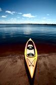 Kayak at waters edge on Lake Winnipeg — Stock Photo