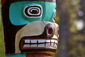 Totem pole in Saint Vital Park in Winnipeg — Stock Photo