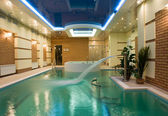 Beautiful swimming pool — Stock Photo