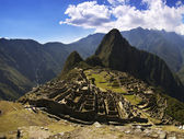 Machu Picchu in the afternoon harsh sun — Stock Photo