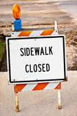 тротуаре закрыт знак — Стоковое фото
