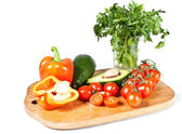 Groenten op een snijplank — Stockfoto