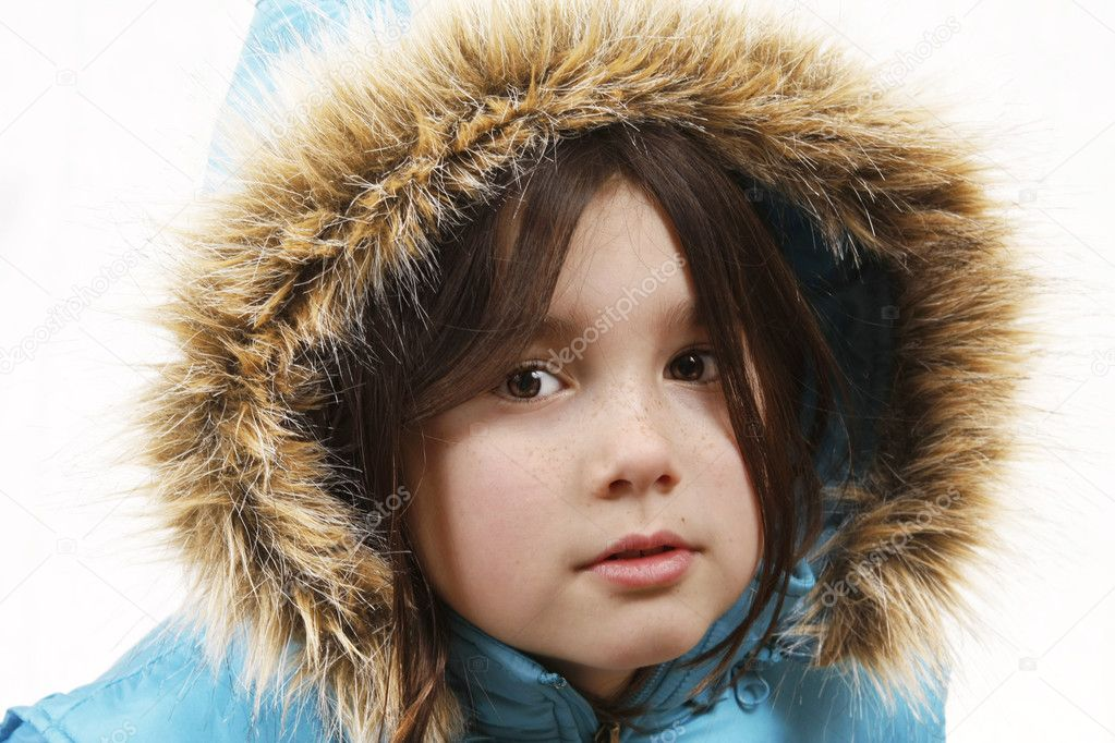 A little girl with a winter coat and hood up like an eskimo. — Stock Photo #4879107