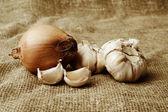 Onions and garlic — Stock Photo