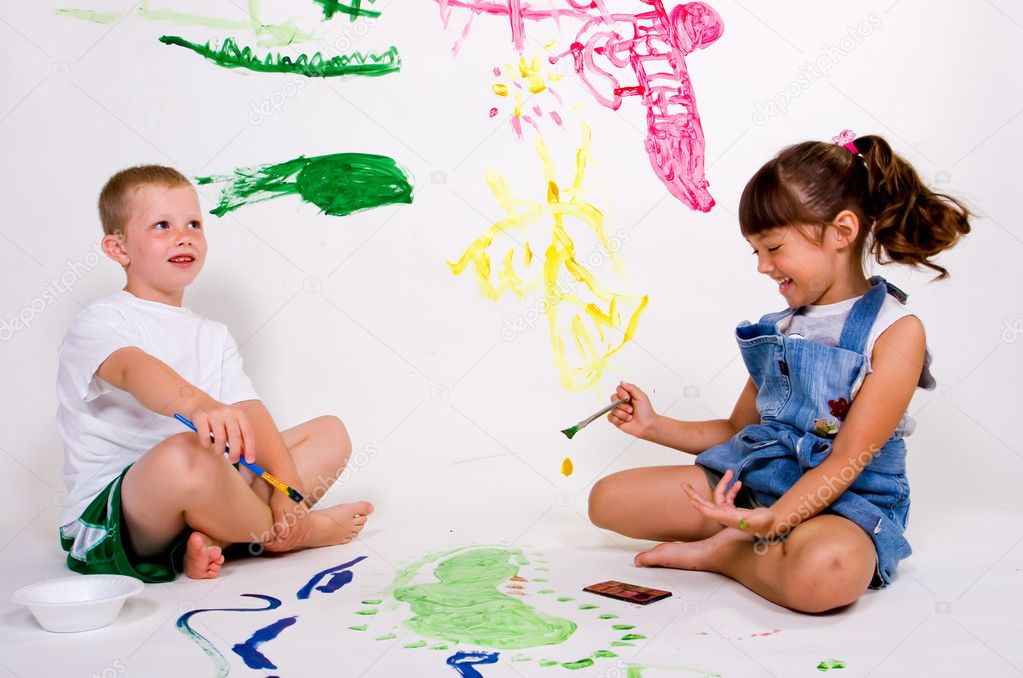 Children painting pictures stock image