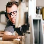 timmerman werken op een — Stockfoto
