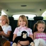rodina se třemi dětmi — Stock fotografie