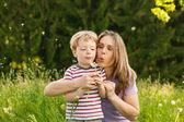 小男孩和他的母亲 — 图库照片